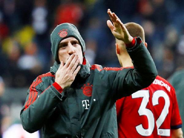 Bayern soán ngôi vị đầu bảng, Hùm xám đích thực