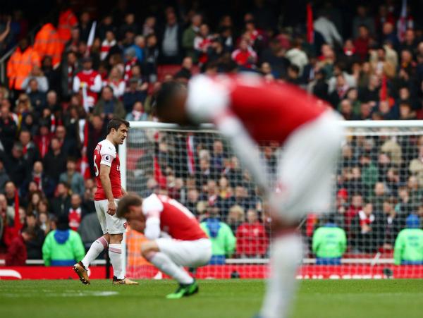 Arsenal hết hy vọng vào top 4 Ngoại hạng Anh