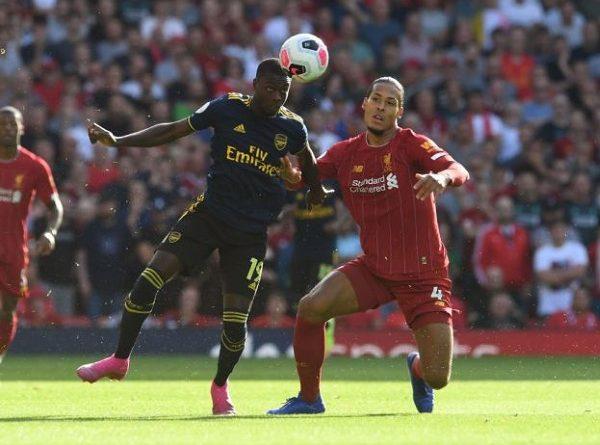 Nicolas Pepe chấm dứt mạch 50 trận không bị qua người của Van Dijk tại Ngoại hạng Anh