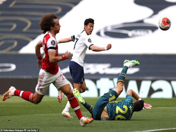 Arsenal thua ngược trước Tottenham vì hàng thủ