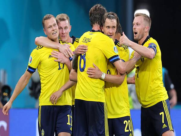 Soi kèo bóng đá giữa Ukraina vs Anh, 2h ngày 4/7